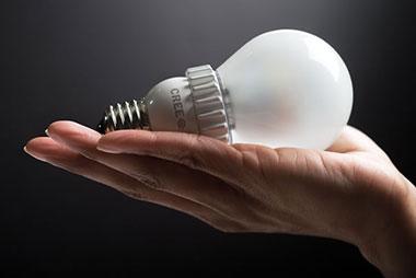 Lâmpadas de LED vs Lâmpadas fluorescentes: veja qual é melhor